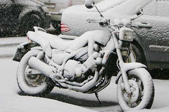 arrancar tu moto en frío