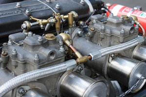 cómo funciona un Carburador