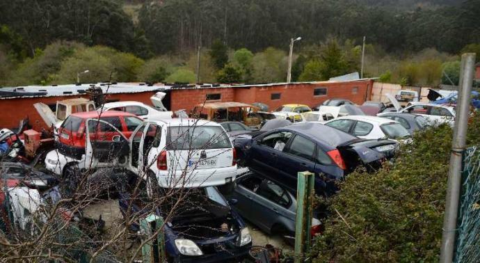 Los desguaces no podrán almacenar los coches más de un mes ni apilarlos