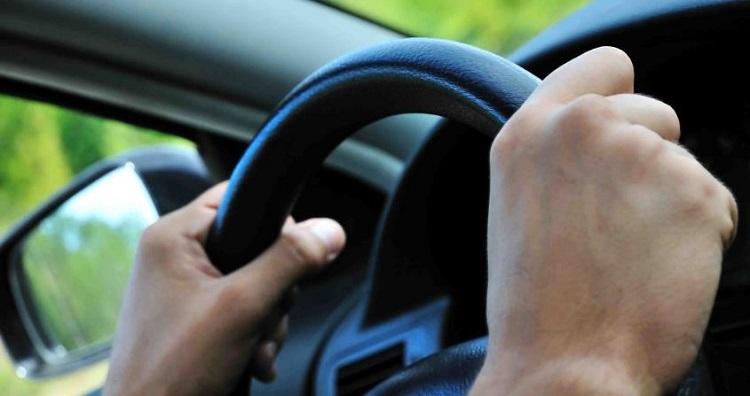 Posibles causas por las que vibra el volante de tu coche